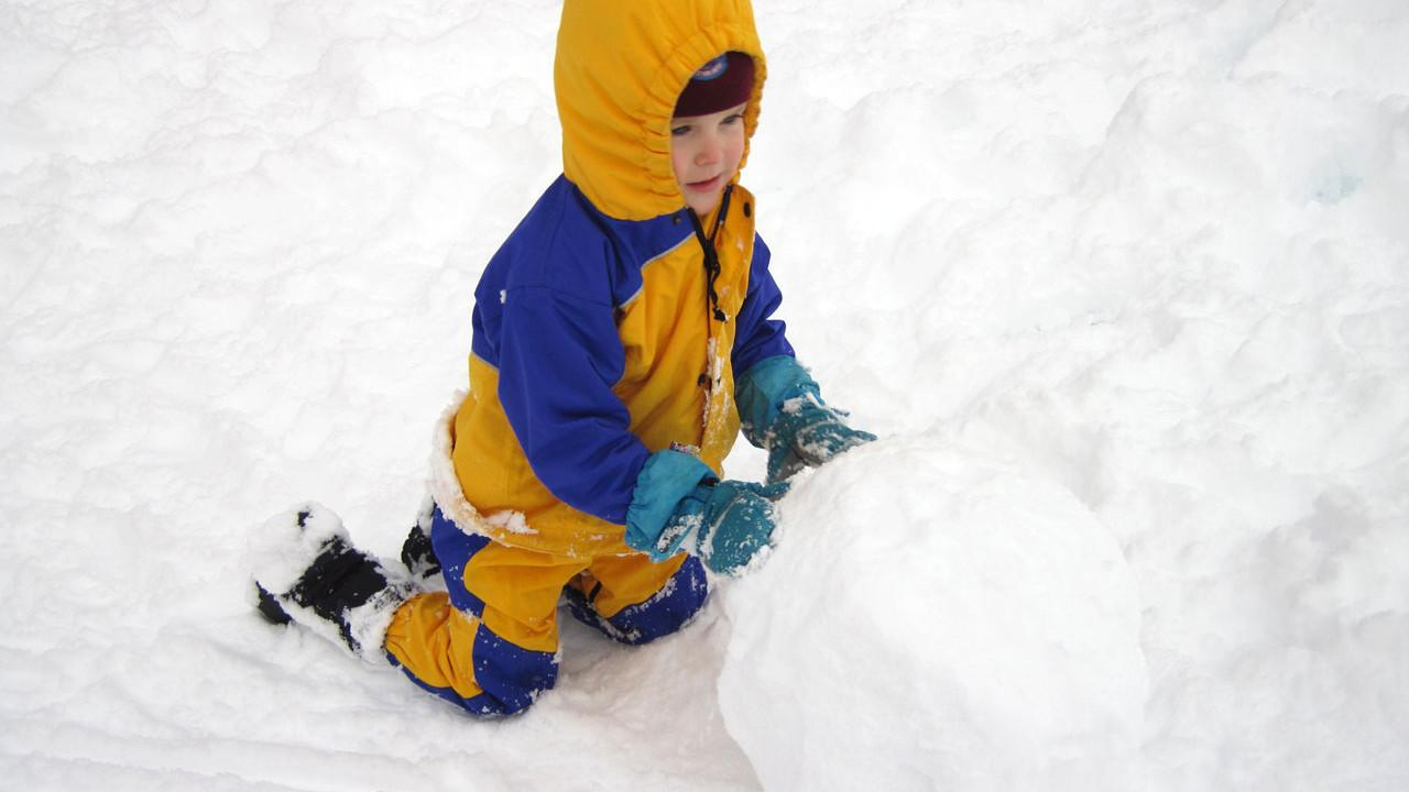 Making a snowball